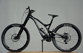 SUPREME DH V4.2 RACE 650B BLACK 2017 (L)