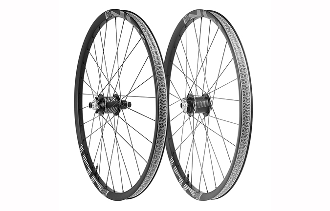 E13 TRS RACE CARBON WHEELSET 31MM 650B BOOST 2018