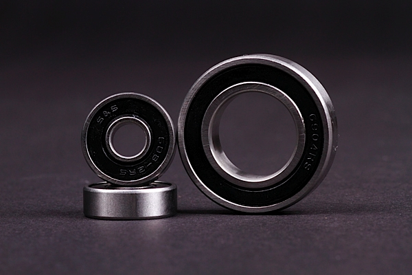 MAIN PIVOT BEARINGS KIT for SUPER 4 2009-2012 (3pcs)