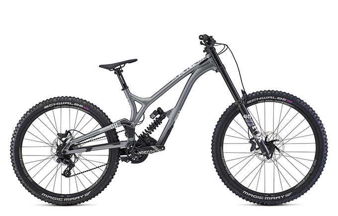 SUPREME DH 29 / 27 RACE HAYES 2021