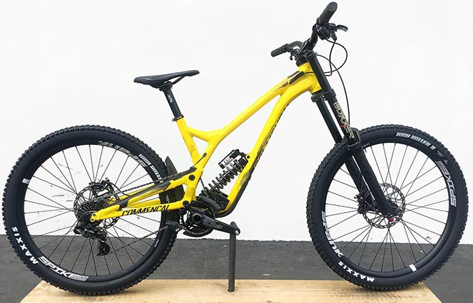 SUPREME DH V4.2 RACE 650B YELLOW 2017 (L)