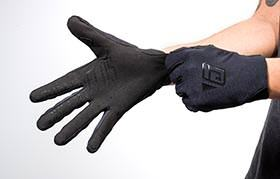 SUPREME GLOVES BLACK